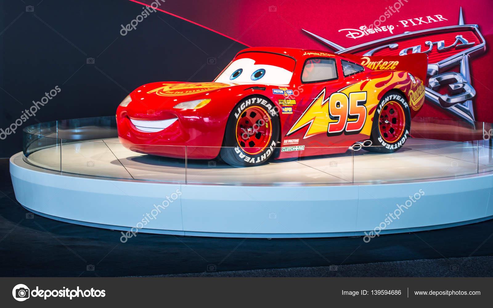 Disney Pixar Cars 3 Lebensgrosse Lightning Mcqueen