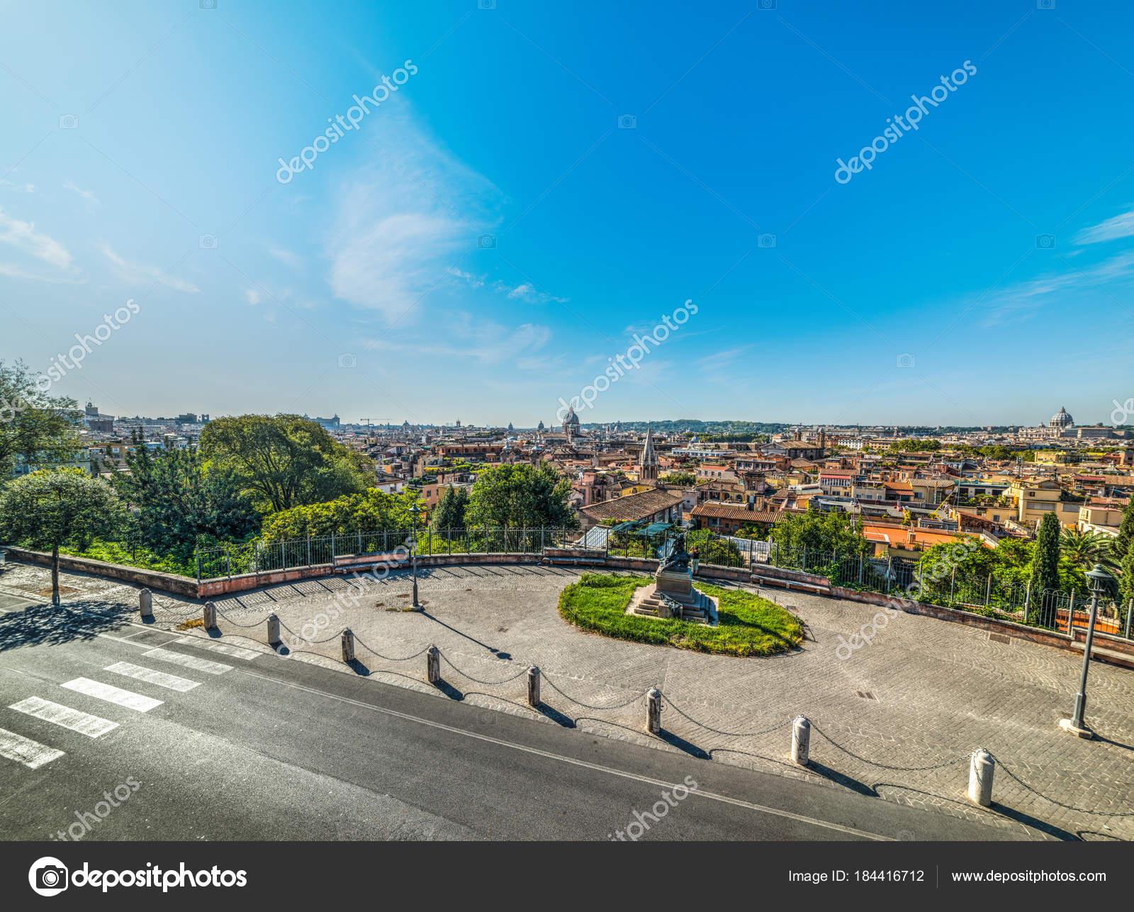 Vista panoramica di Roma visto dalla terrazza del Pincio — Foto ...