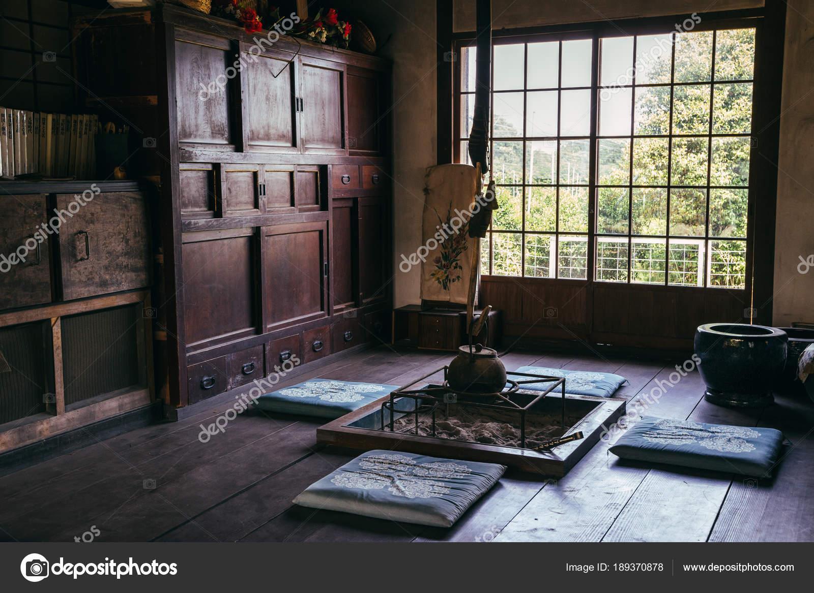 Salon de thé de style en bois japonais — Photo éditoriale ...
