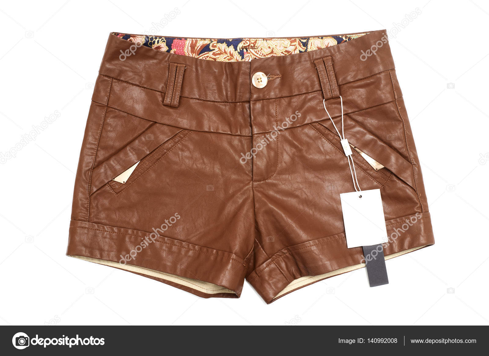 6099e20a0b Pantalones cortos de mujer mujer cuero marrón — Fotos de Stock ...