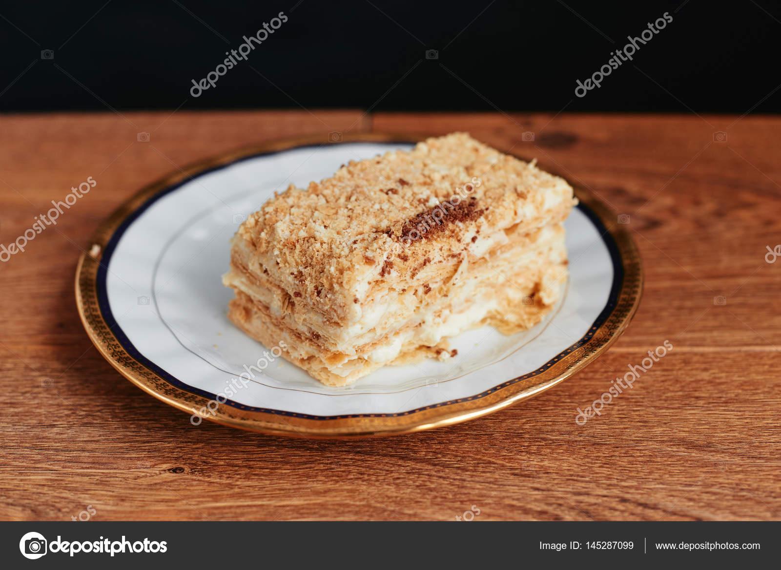 Napoleon Kuchen Dessert In Scheiben Geschnitten Stockfoto