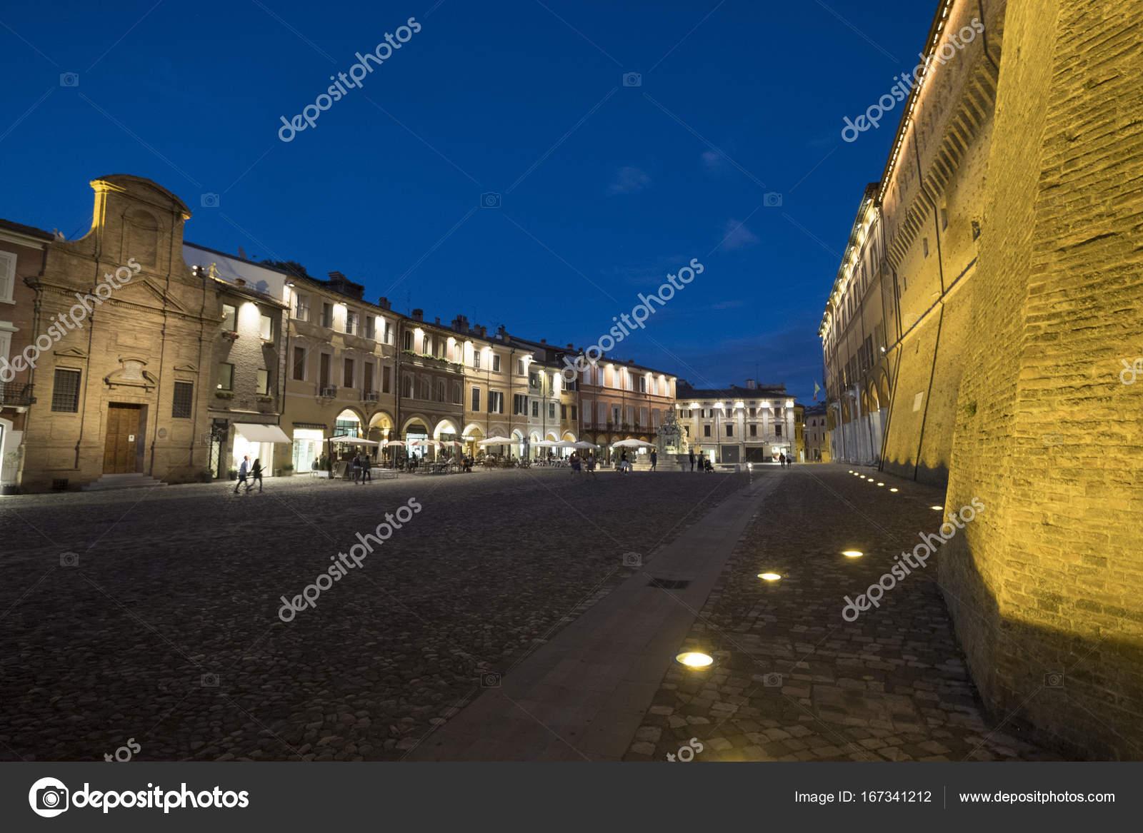 Cesena (Italia): il Castello di sera — Foto Stock © clodio #167341212