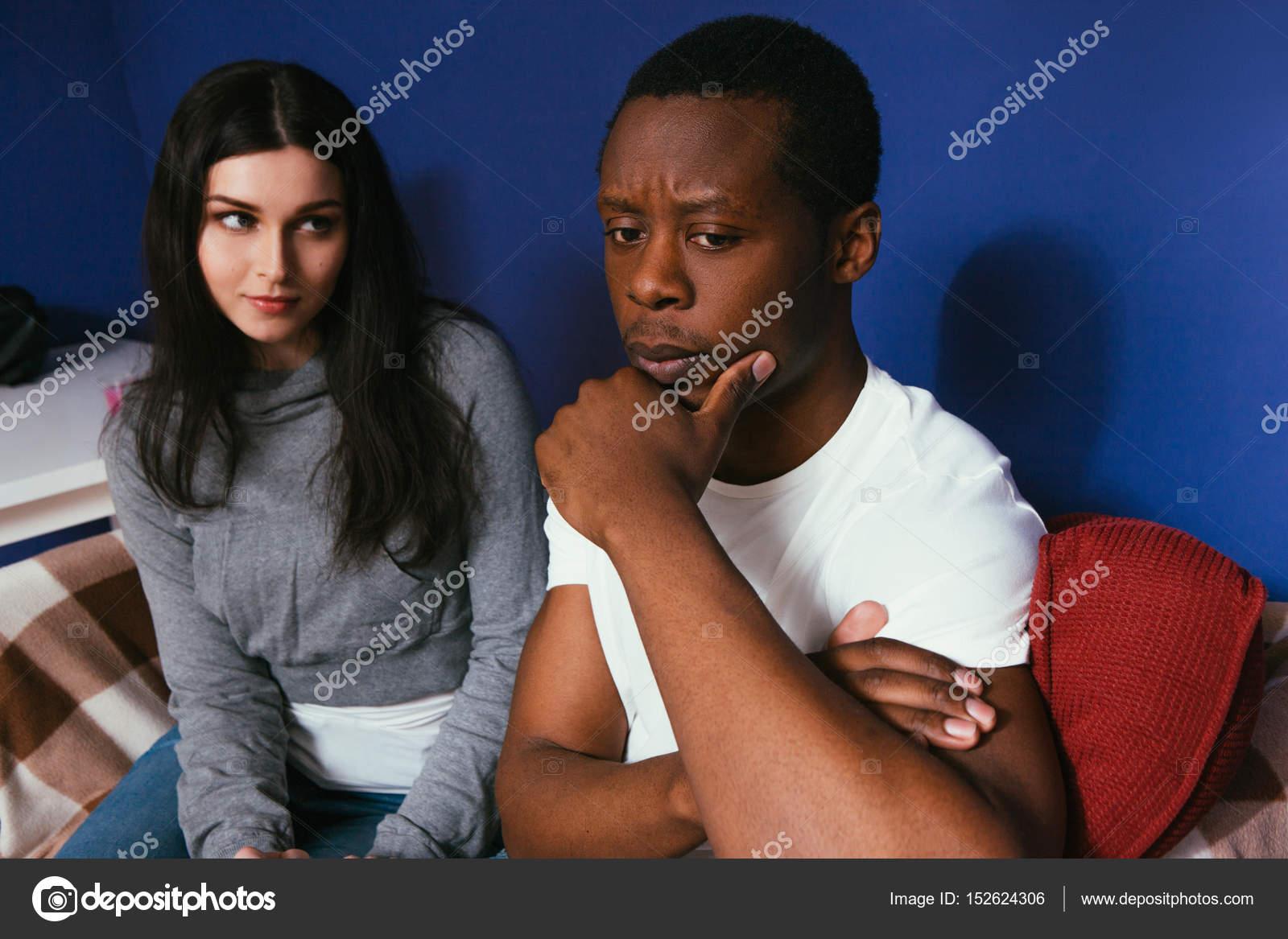 Interracial schwarzer Mann weiße Frau