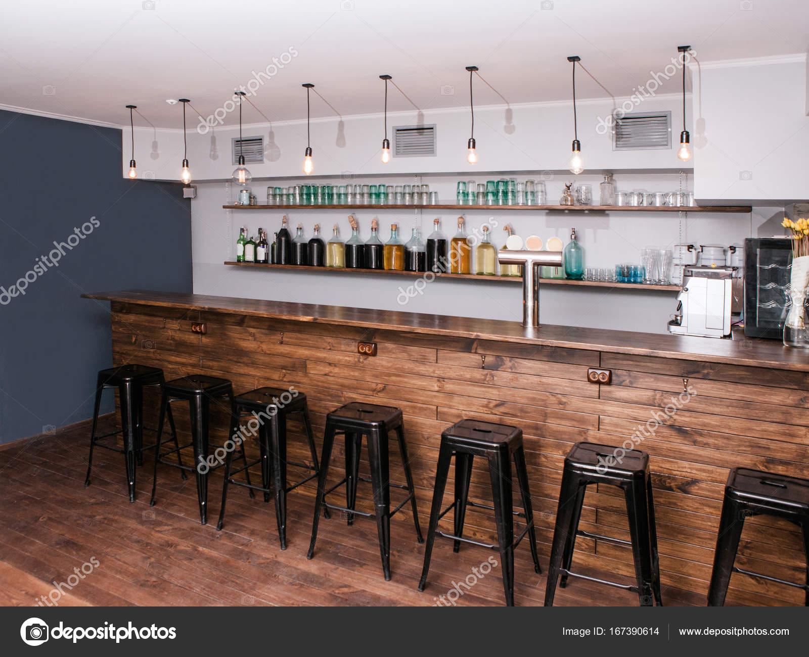 Moderne bar Interieur. Kreativer Ort für Unternehmen — Stockfoto ...