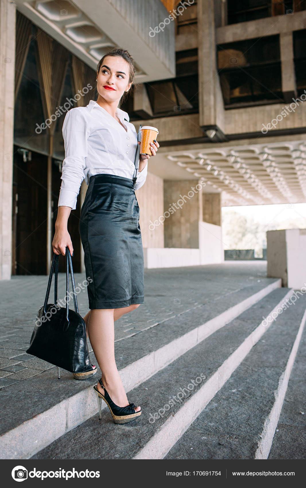 2bd3446a9fbb úspěšné podnikání žena městská móda