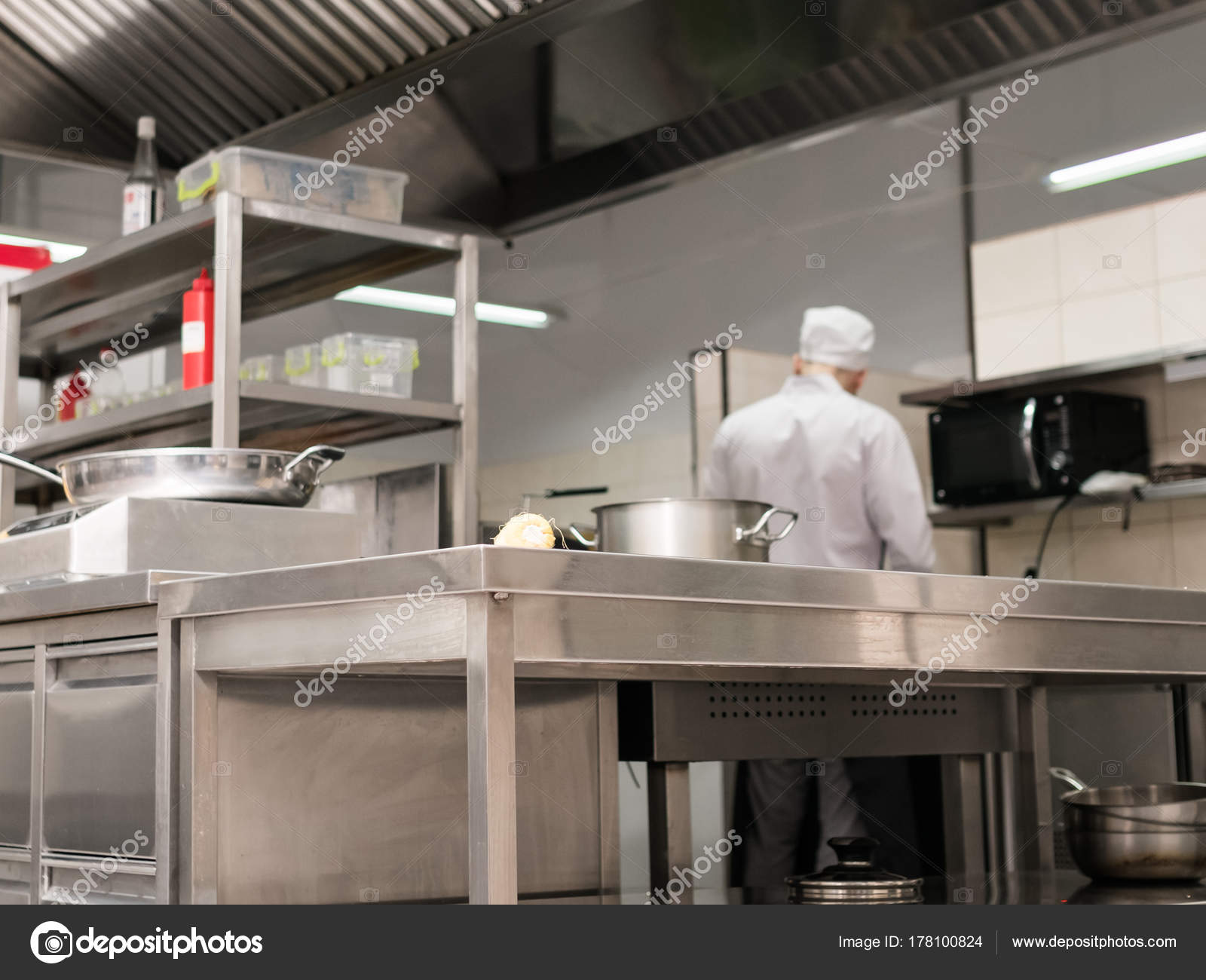 modernes Restaurant Küche Interieur Arbeitsplatz — Stockfoto ...