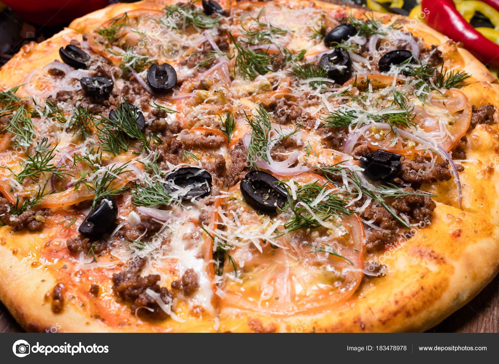 italienische Küche Restaurant Pizza essen bolognese — Stockfoto ...