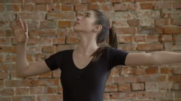 sportovní atletické sportovní gymnastka cvičení stuha školení
