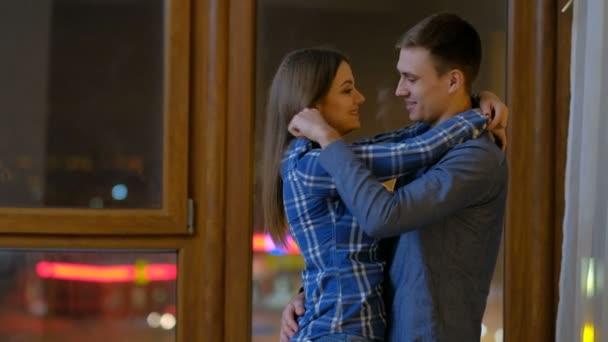 Paar Liebe Zuneigung Beziehung Mann Umarmung Kuss