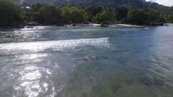 Letecký pohled, Fly pryč z pobřeží 2, Beau Vallon Beach, Ostrov Mahé, Seychely