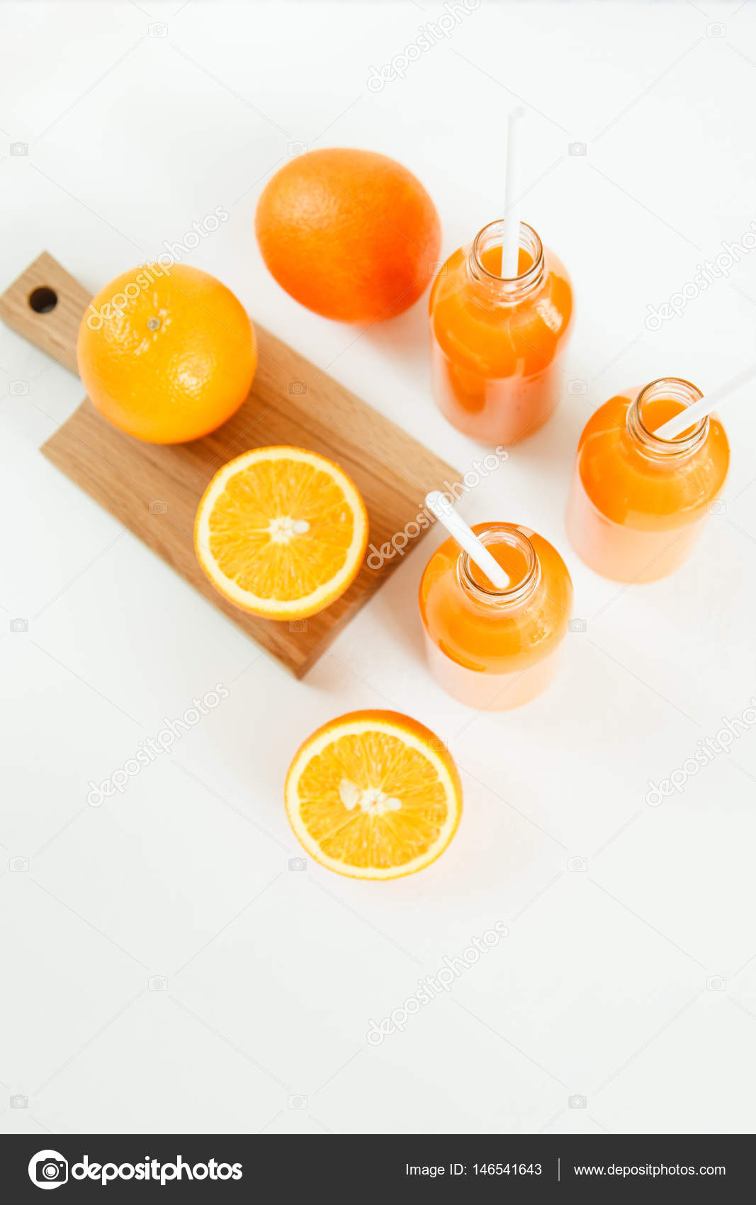 Сок из двух апельсинов