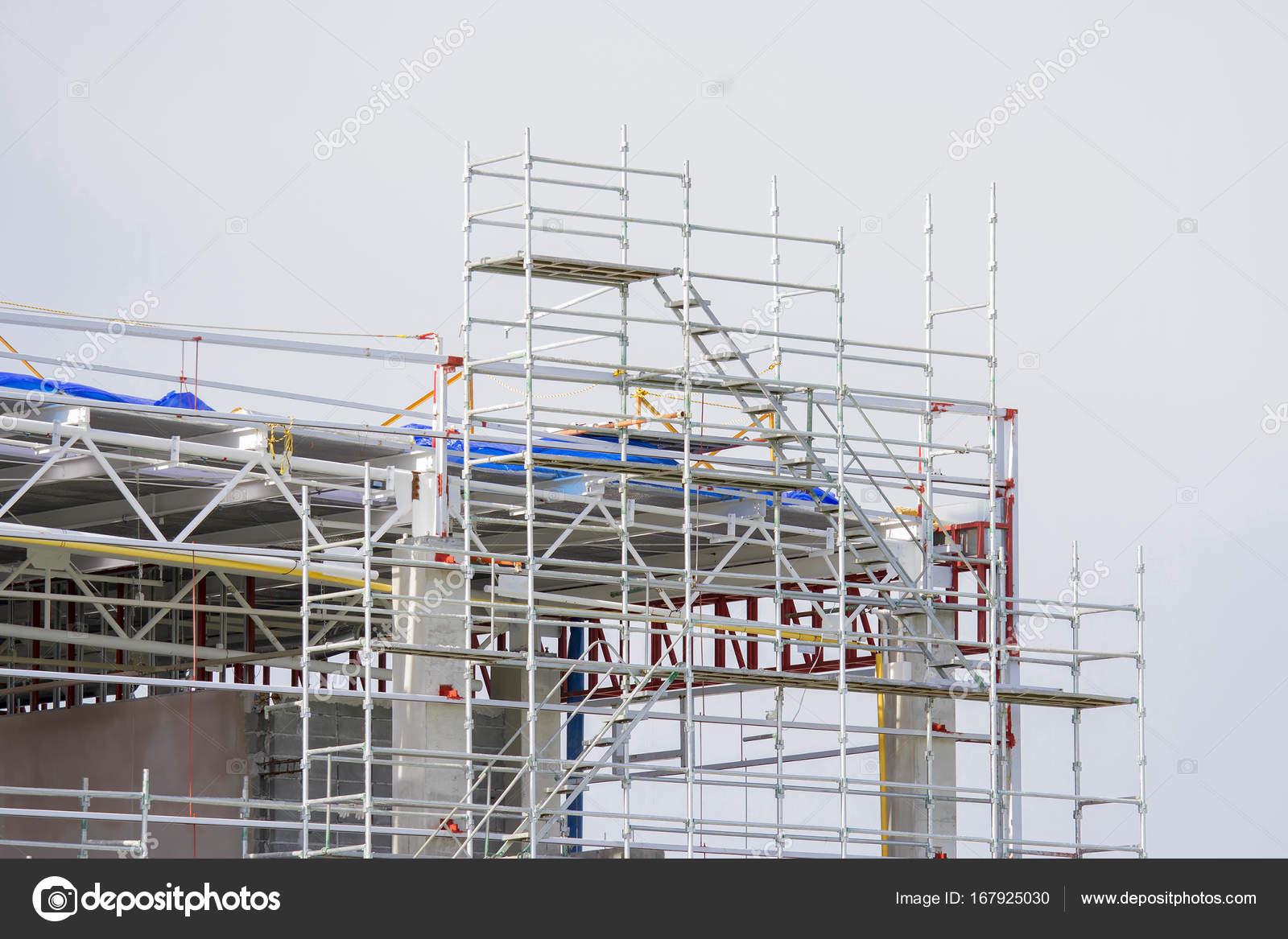 Stahlrahmen für Gebäude — Stockfoto © TakerWalker #167925030