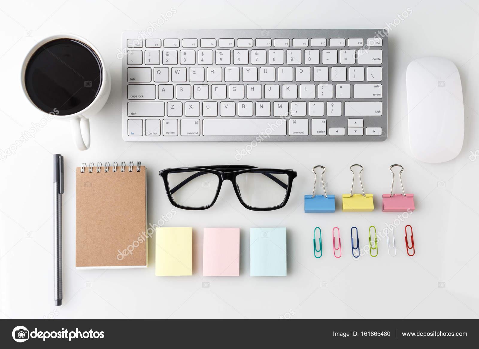 Table haut de bureau moderne blanc bureau avec ordinateur portable