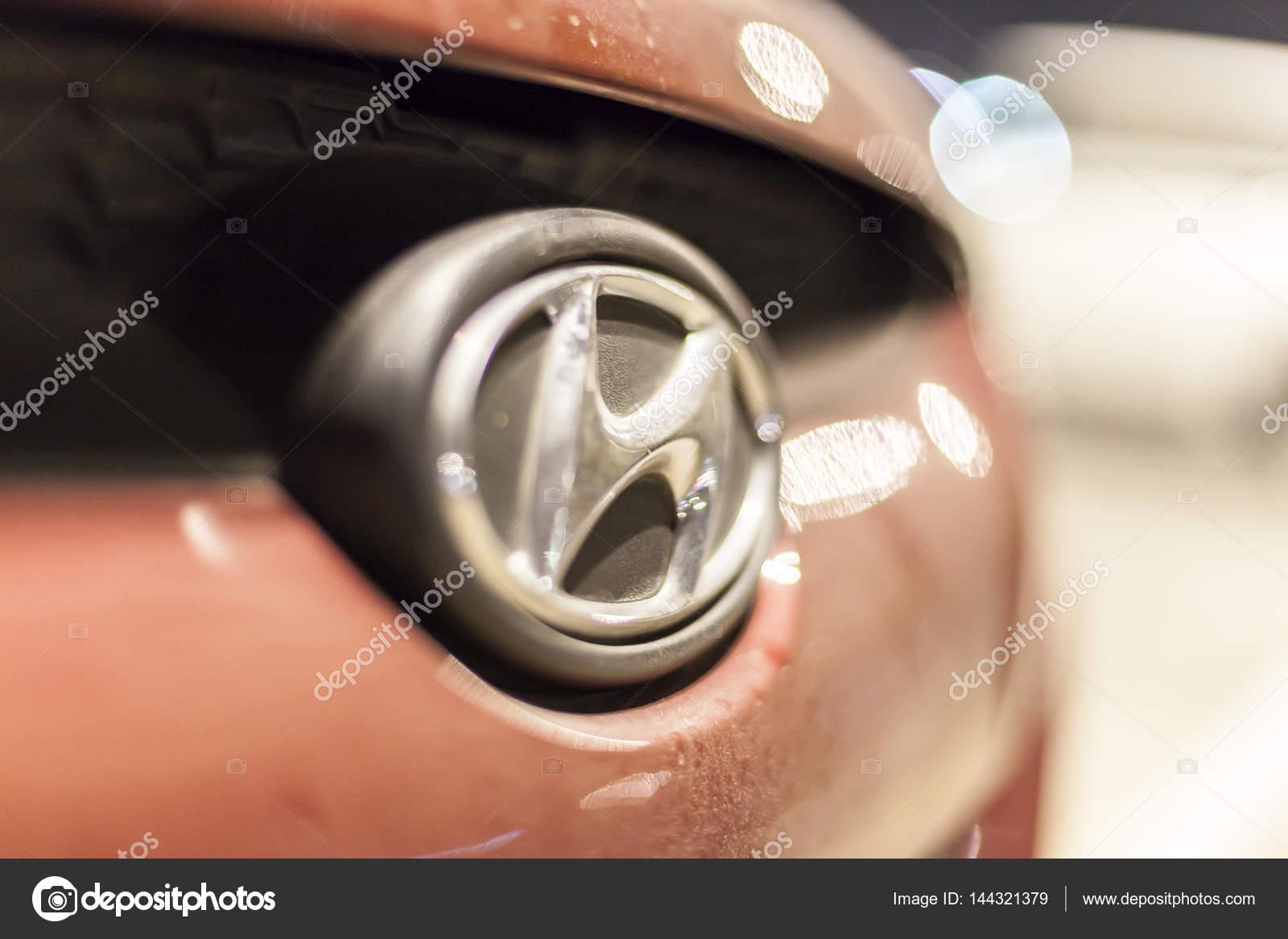 Hyundai Auto Logo Redactionele Stockfoto C Philipus 144321379