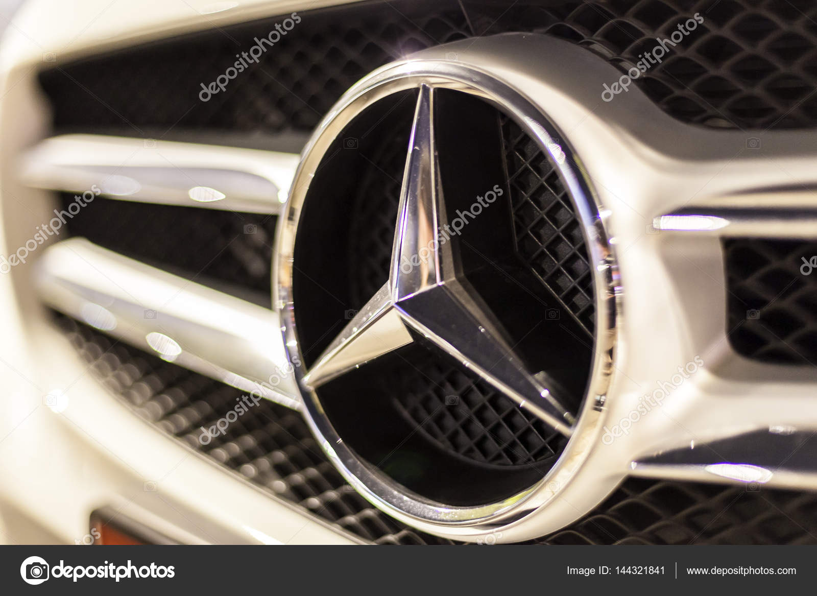 Pictures Benz Logo Mercedes Benz Logo On A Car Stock Editorial Photo C Philipus 144321841