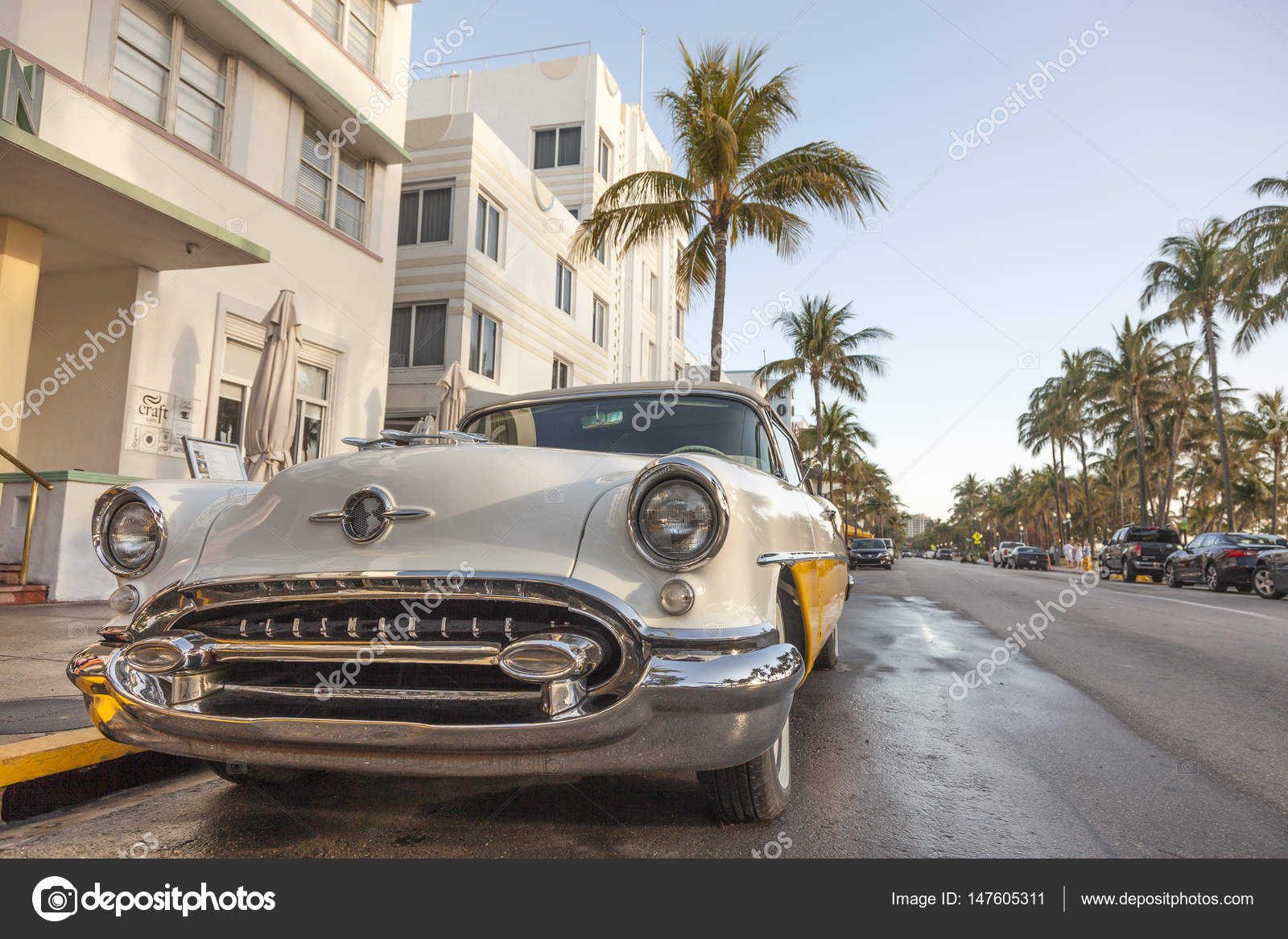 Vintage Car at the Ocean Drive, Miami – Stock Editorial Photo ...