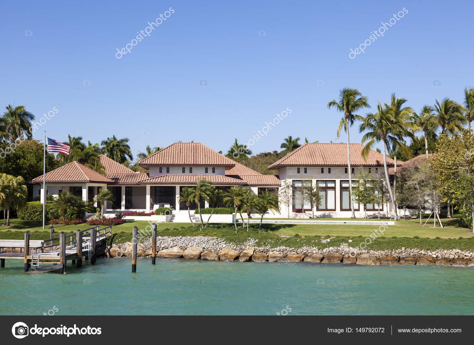villa de luxe à naples, floride — photo éditoriale © philipus #149792072