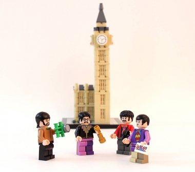 LEGO minifigure Beatles in front of Big Ben