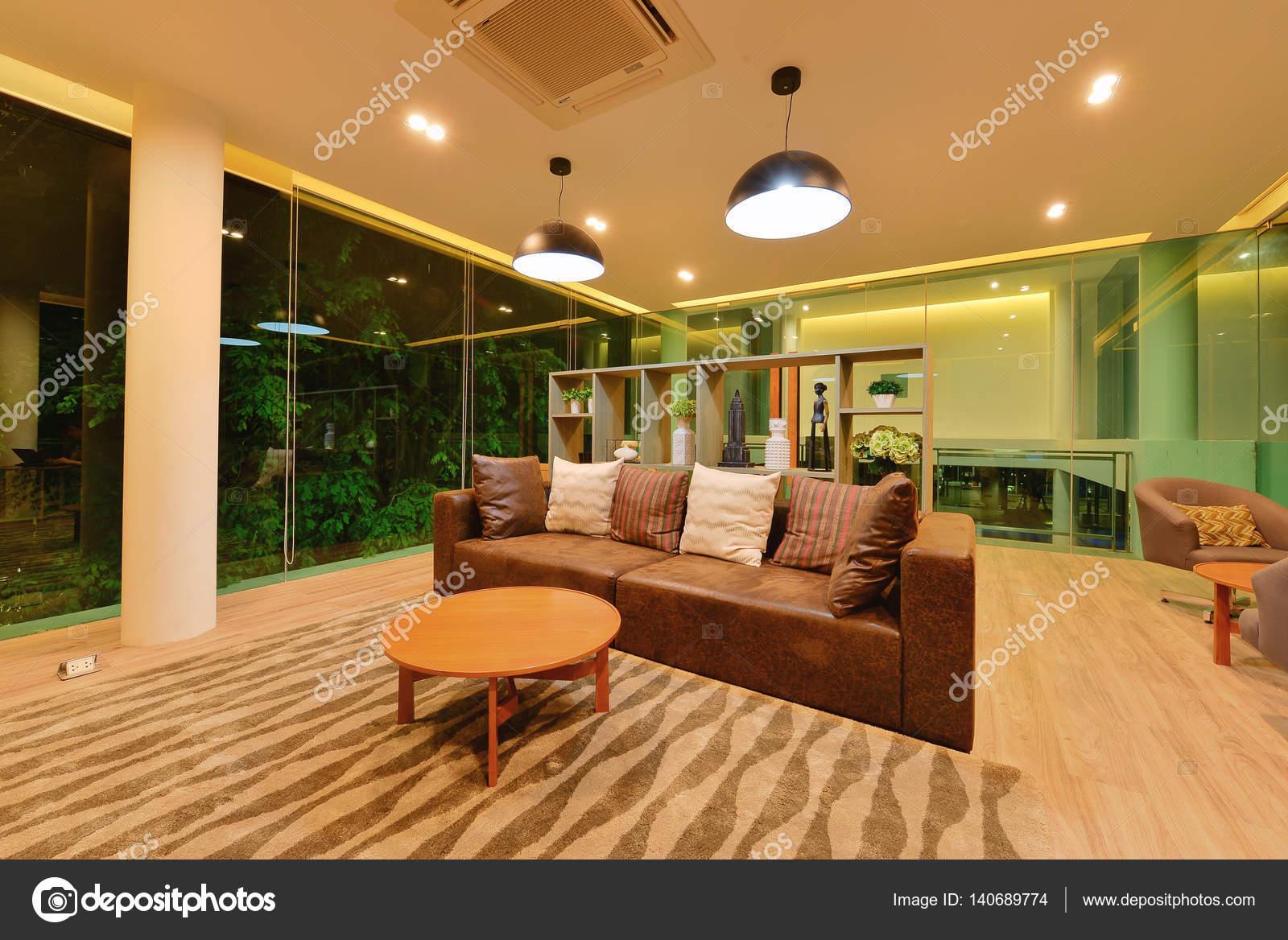 Ein Luxus Wohnzimmer Bei Nacht, Moderne Zimmer U2014 Foto Von  Tampatra@hotmail.com