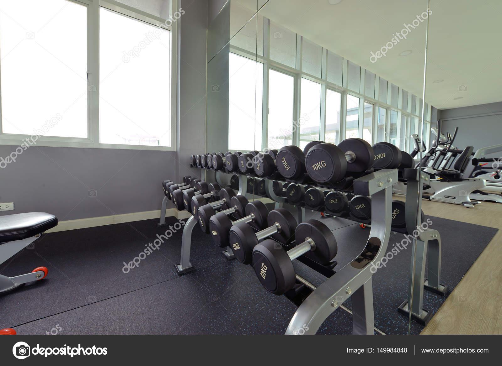 centre de fitness moderne d coration int rieure salle de. Black Bedroom Furniture Sets. Home Design Ideas