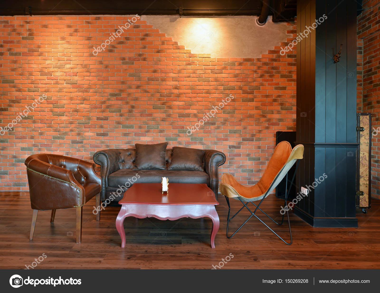 Retro Sofas Im Wohnzimmer Mit Dekoration In Wohnung, Loft St U2014 Stockfoto