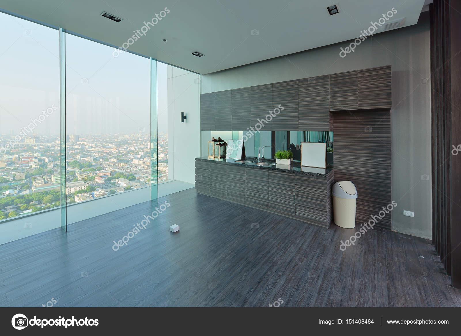 Moderne Luxus-Küche und Dekoration auf Eigentumswohnung ...