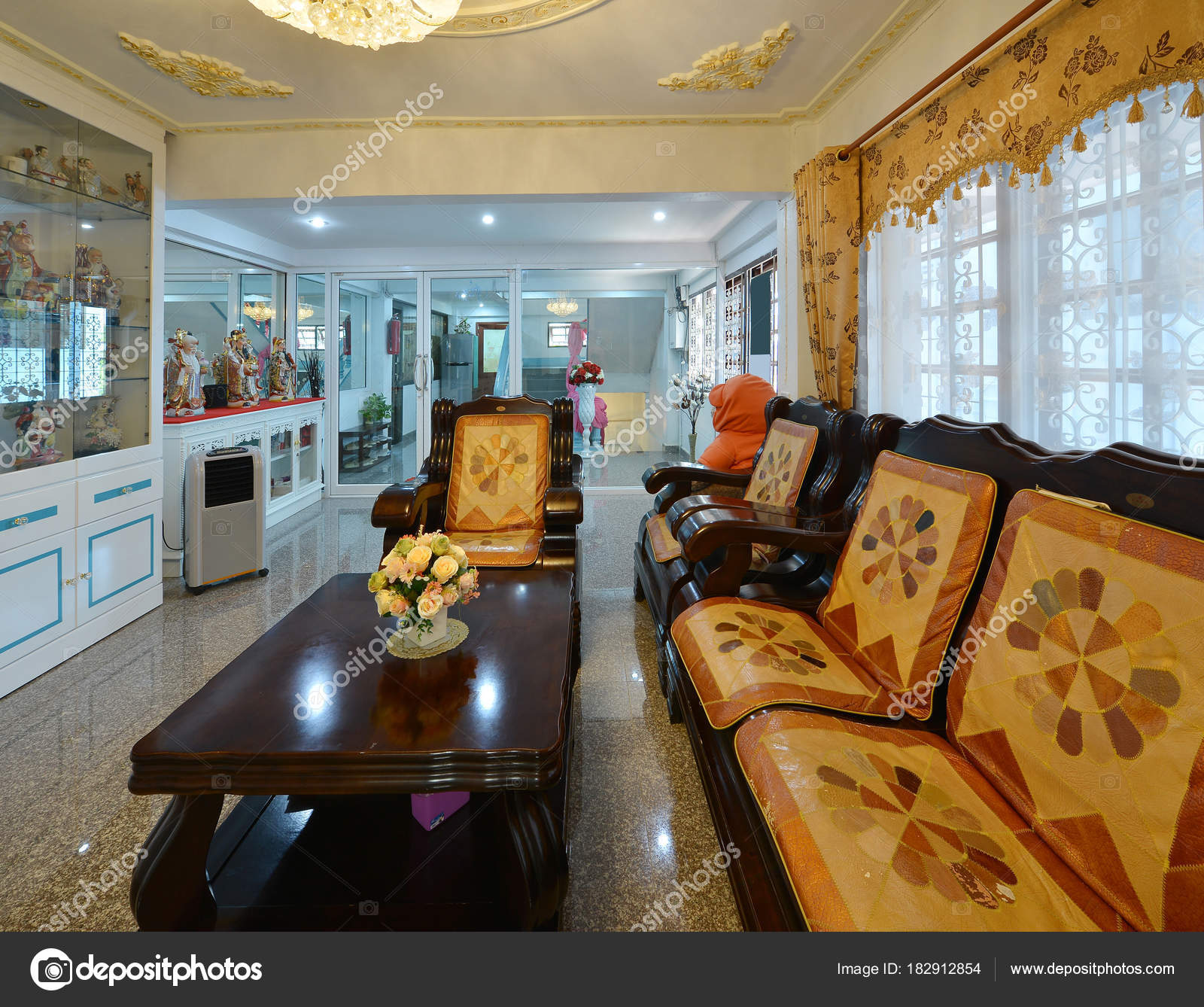 Elegant Oriental Classic Vintage Chinese Living Room, Interior Design U2014  Photo By Tampatra@hotmail.com