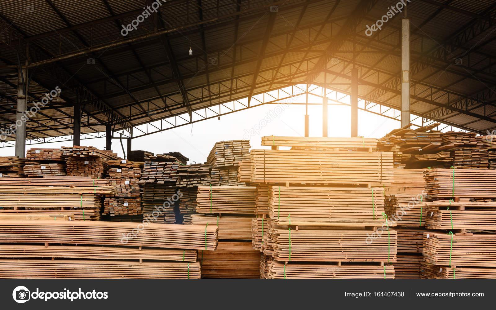 Acci n de la f brica de madera y tablero de madera fotos - Fabricas de madera ...