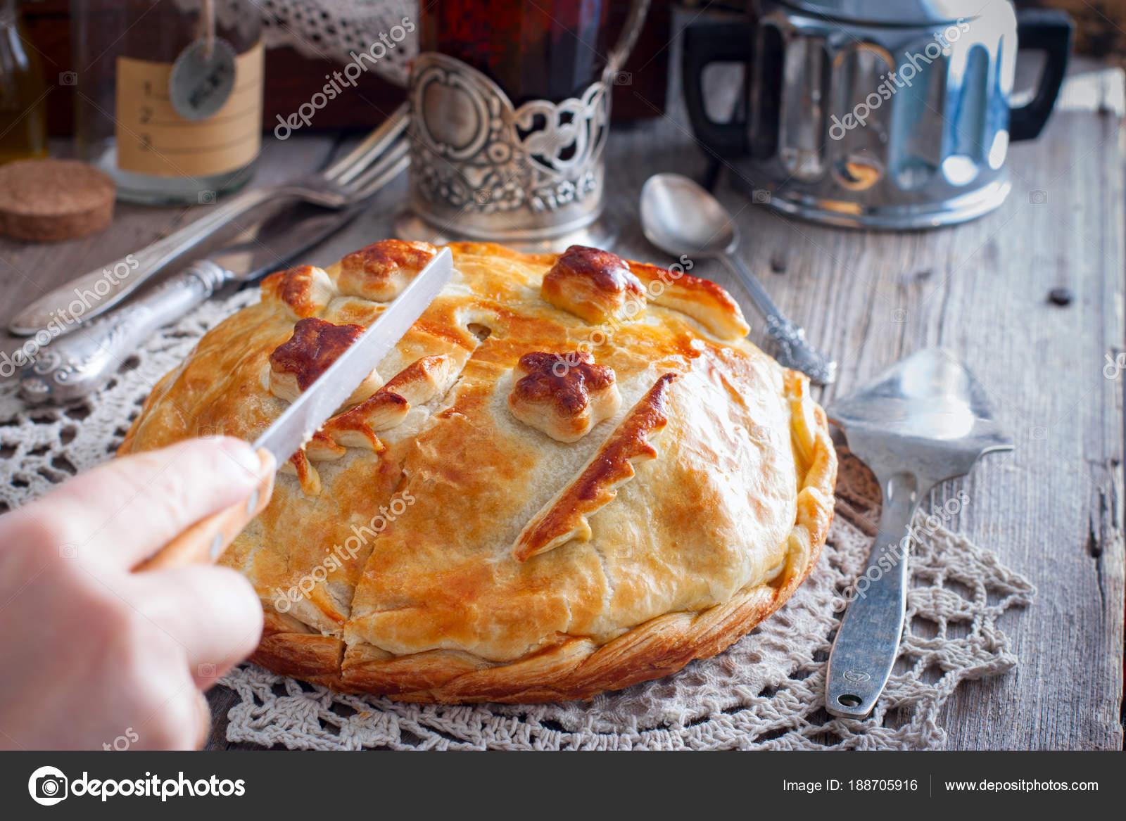 Festliche Nationalen Kuchen Aus Huhn Pfannkuchen Reis Pilze Fur