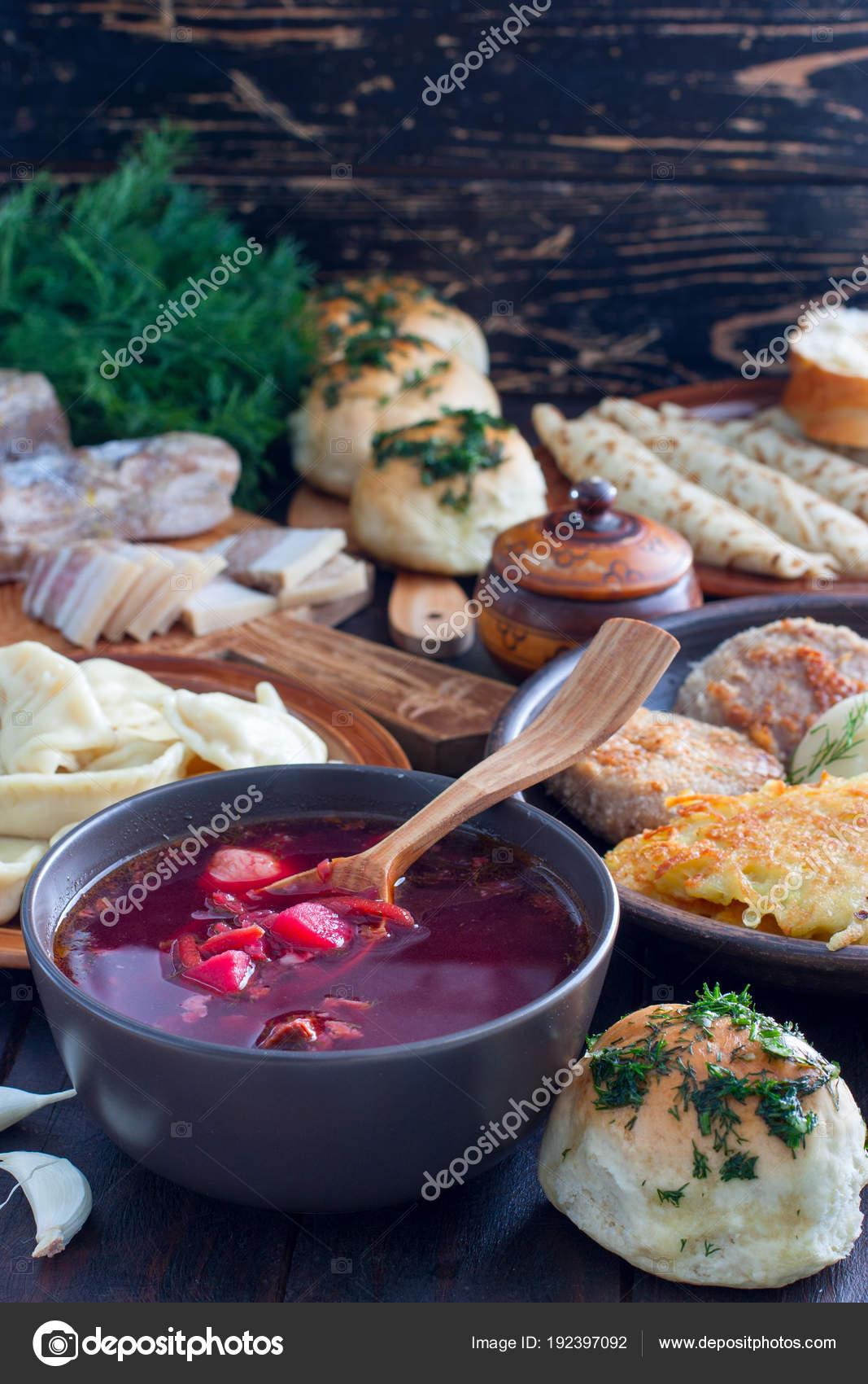 Une Cuisine Traditionnelle Dans La Cuisine Ukrainienne Borchtch