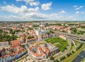 Fotografia Szczecin - il paesaggio della città vecchia con un castello. Vista aerea di Szczecin