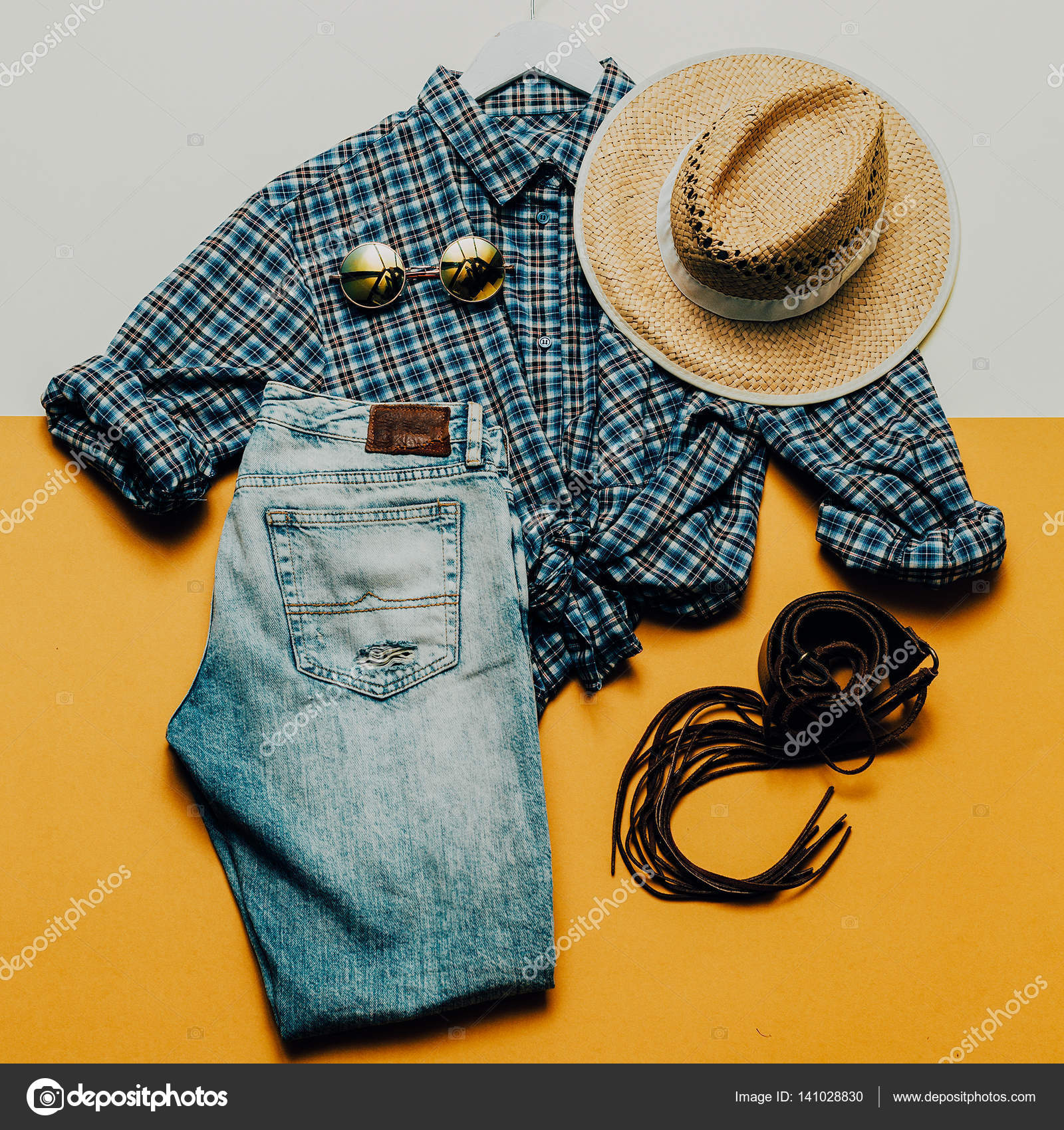 c139f647a46ed Roupa de cowboy Country. Acessórios de moda. estilo de moda — Fotografia de  Stock
