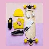 Fényképek Divat blogger súgót. Egy sor női kalap és cipők. Divatos