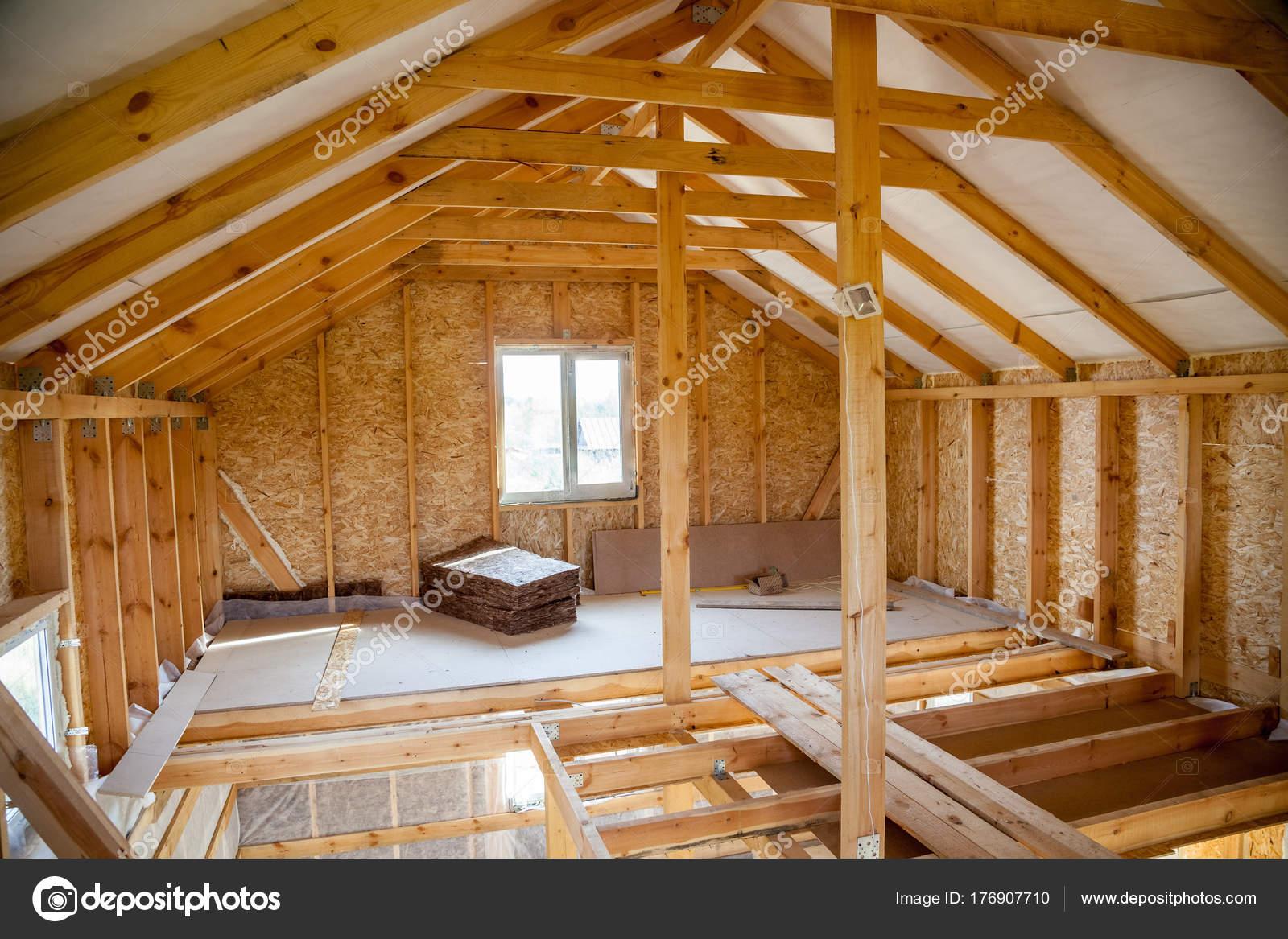 das Innere der Fachwerkhaus im Prozess der Konstruktion — Stockfoto ...