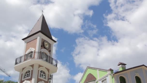 Kapelle mit Wolken im Hintergrund