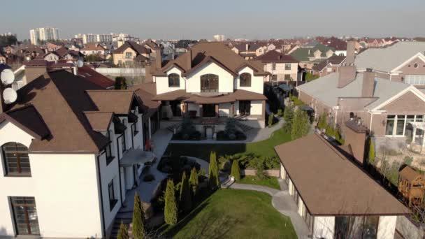Gazdag lakóházak