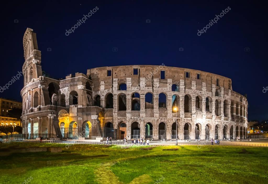 Night view of Coliseum