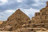 Fotografie Egyptské pyramidy v Gíze, Egypt. Cestovní koncept