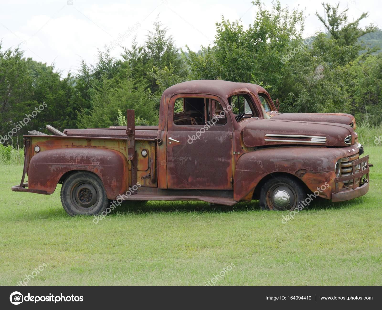 Rusty Old Pickup Truck Shattered Windshield Parked Grassy Patch Side Stock Editorial Photo C Raksybh 164094410