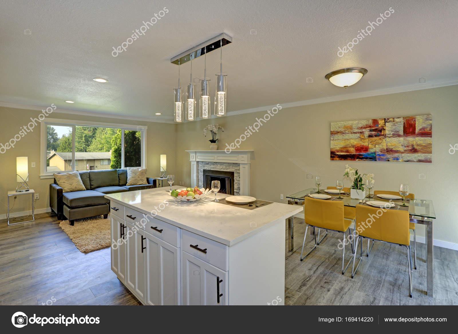 Plan abierto hermoso segundo piso living comedor, cocina y comedor ...