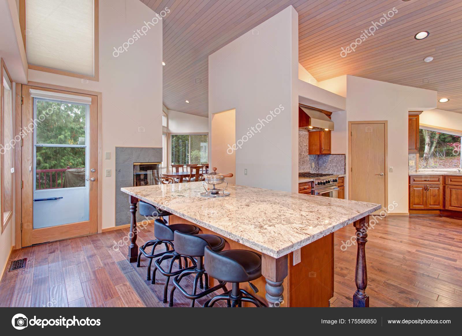Keuken Plattegrond Open : Open plattegrond ontwerp van de keuken met een keukeneiland