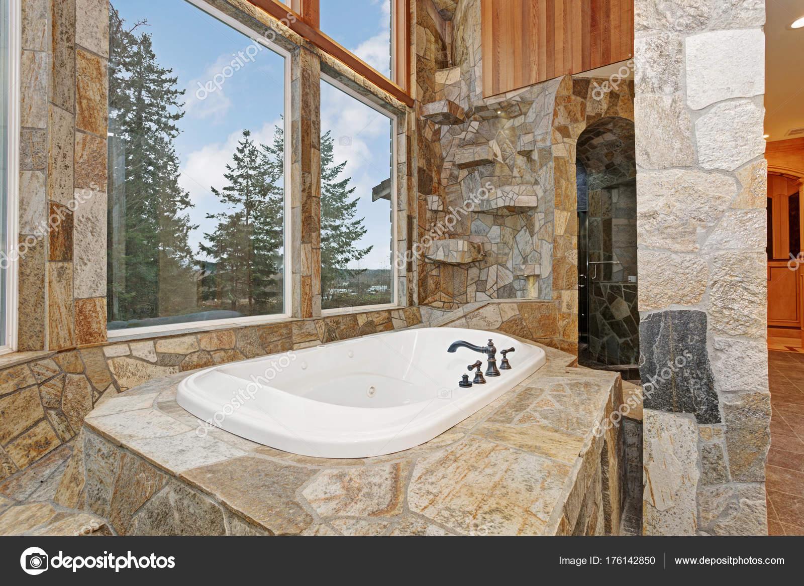 Elegant lussuosa dropin vasca da bagno rivestito in - Vasca da bagno in pietra ...