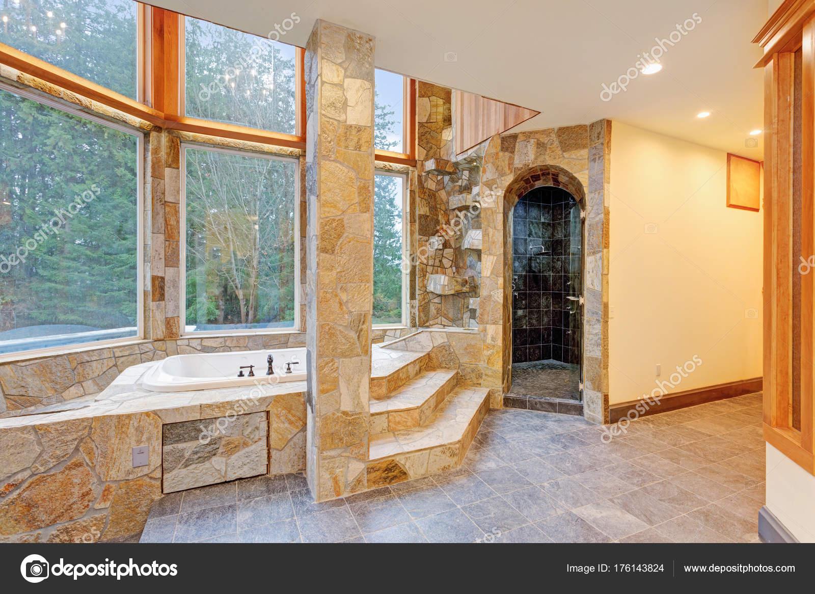 Vasca Da Bagno In Pietra Naturale Prezzi : Lussuosa drop in vasca da bagno rivestito in piastrelle di pietra