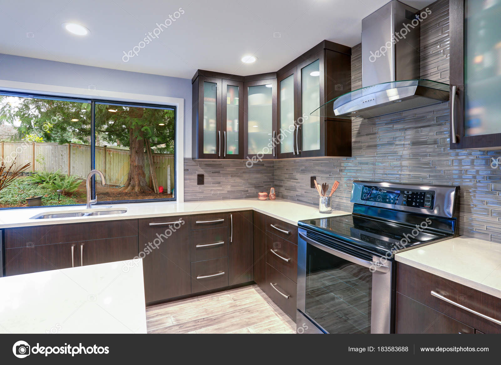 Antique White Kitchen Cabinets With Stainless Steel