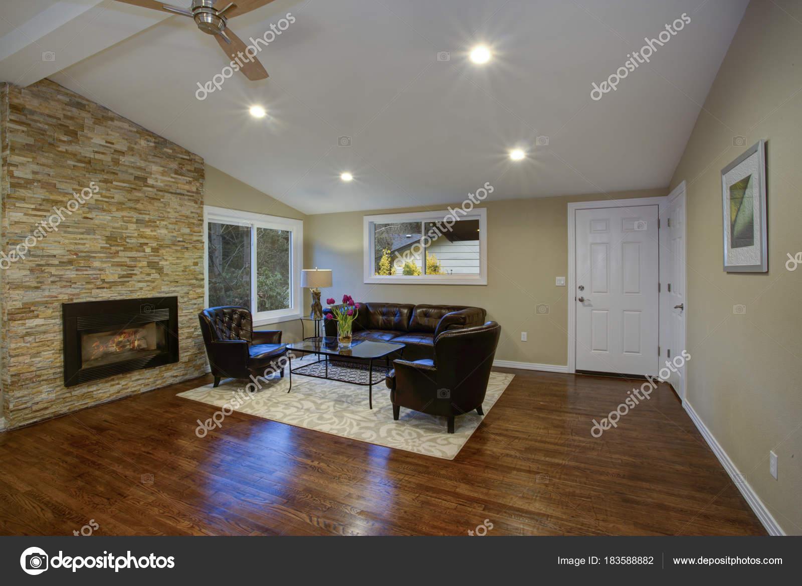 Tolles Zimmer Luxusdesign mit offenen Grundriss — Stockfoto © alabn ...