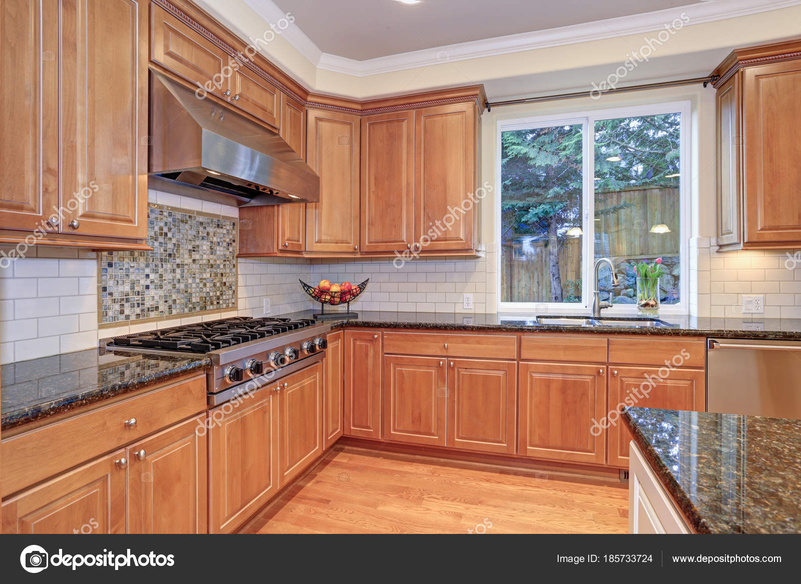 Luxury Kitchen Fitted With Viking Appliances Stock Photo