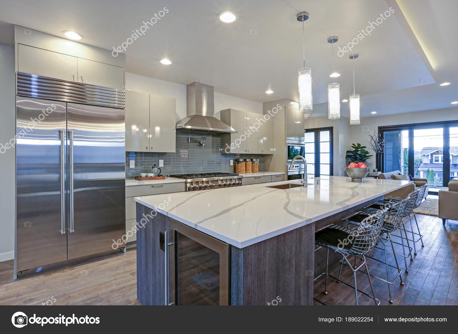 Cozinha Moderna Elegante Design Com Uma Ilha Central Cinza Stock