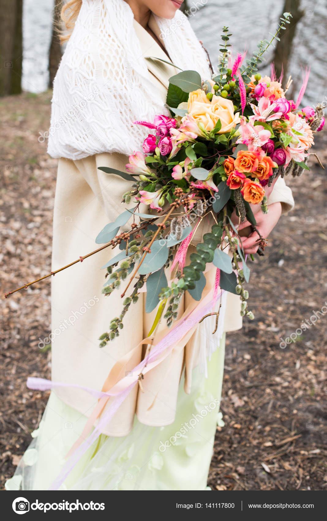 Bright wedding rustic bouquet in hand of bride — Stock Photo © yana ...