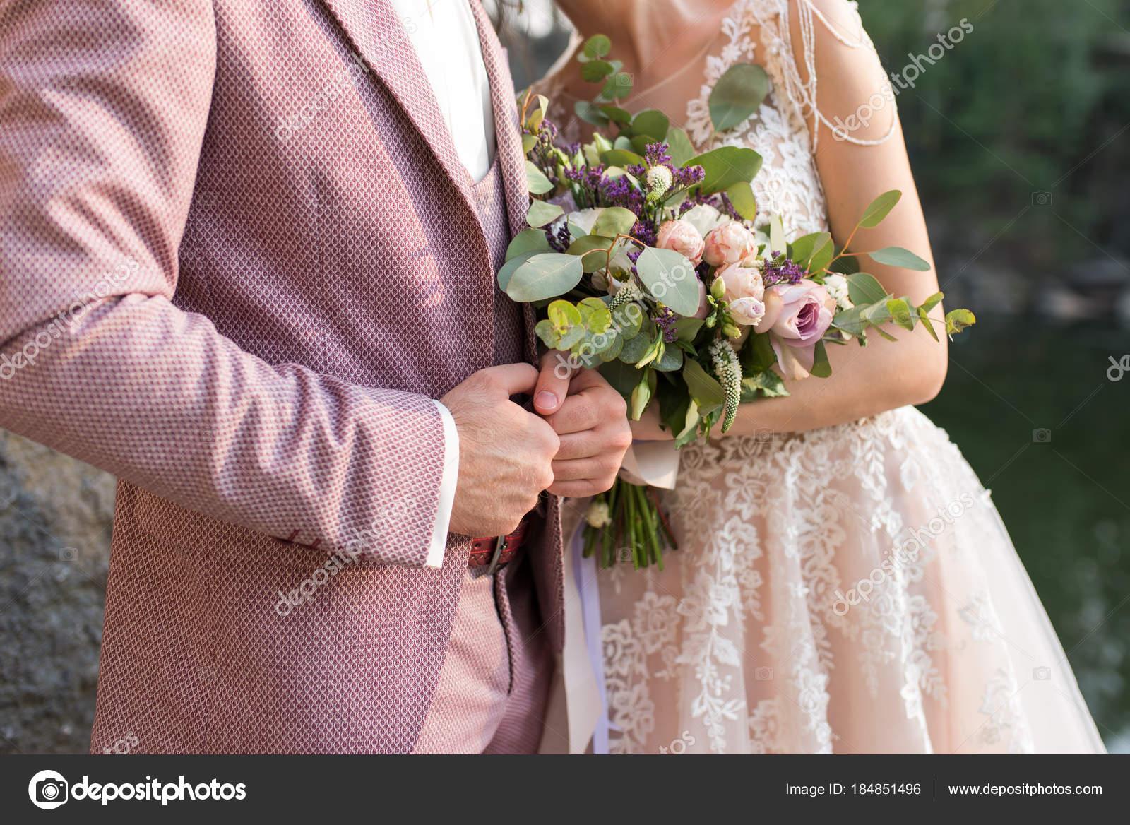 Hochzeit Das Mädchen Einem Beigen Kleid Und Ein Mann Einem ...