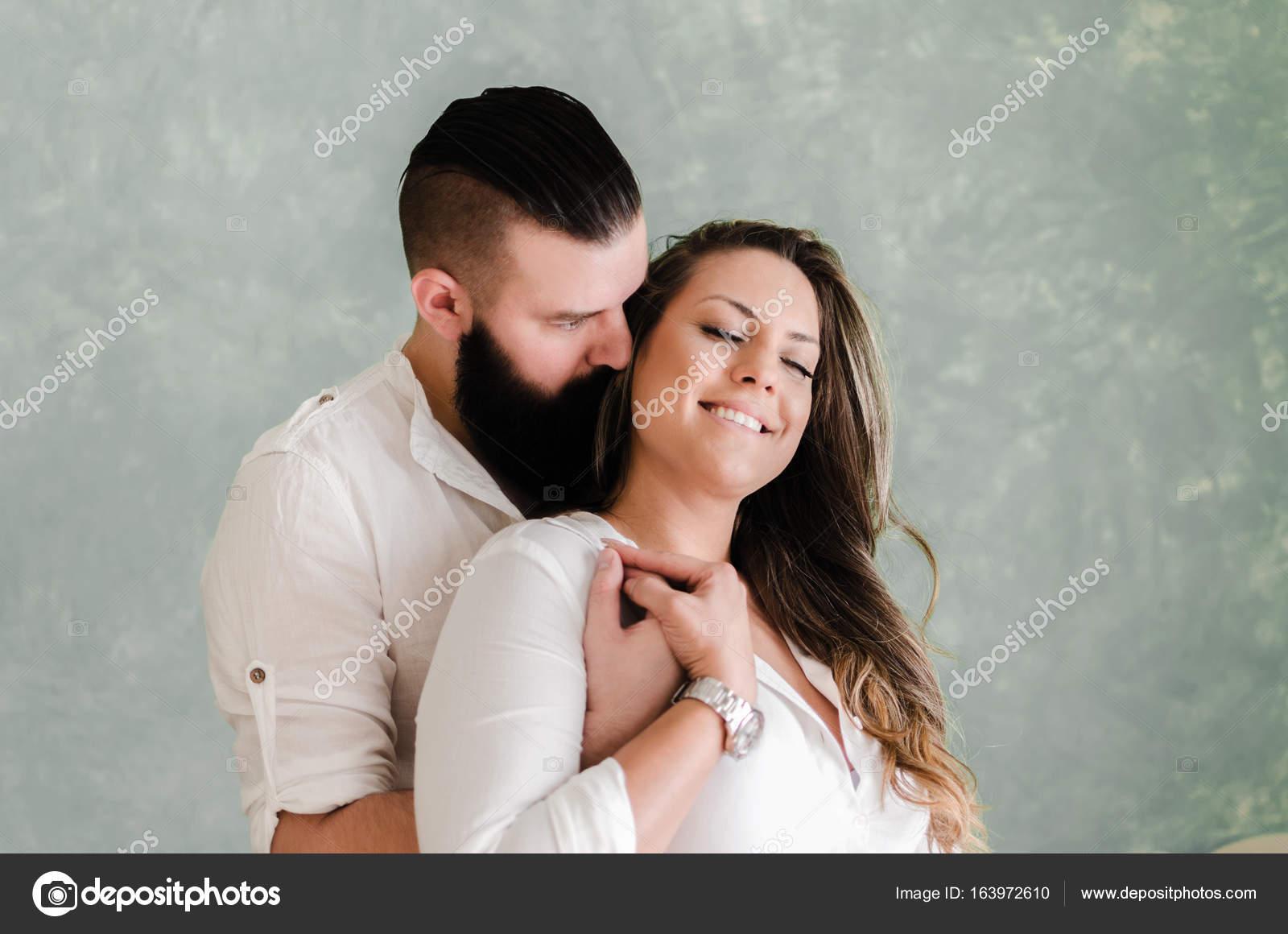 αγκάλιασμα dating καλύτερες τοποθεσίες γνωριμιών Ολλανδία